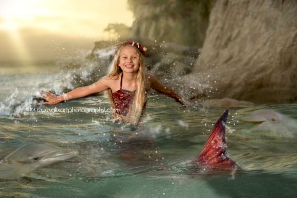 Splashing Mermaid Joy
